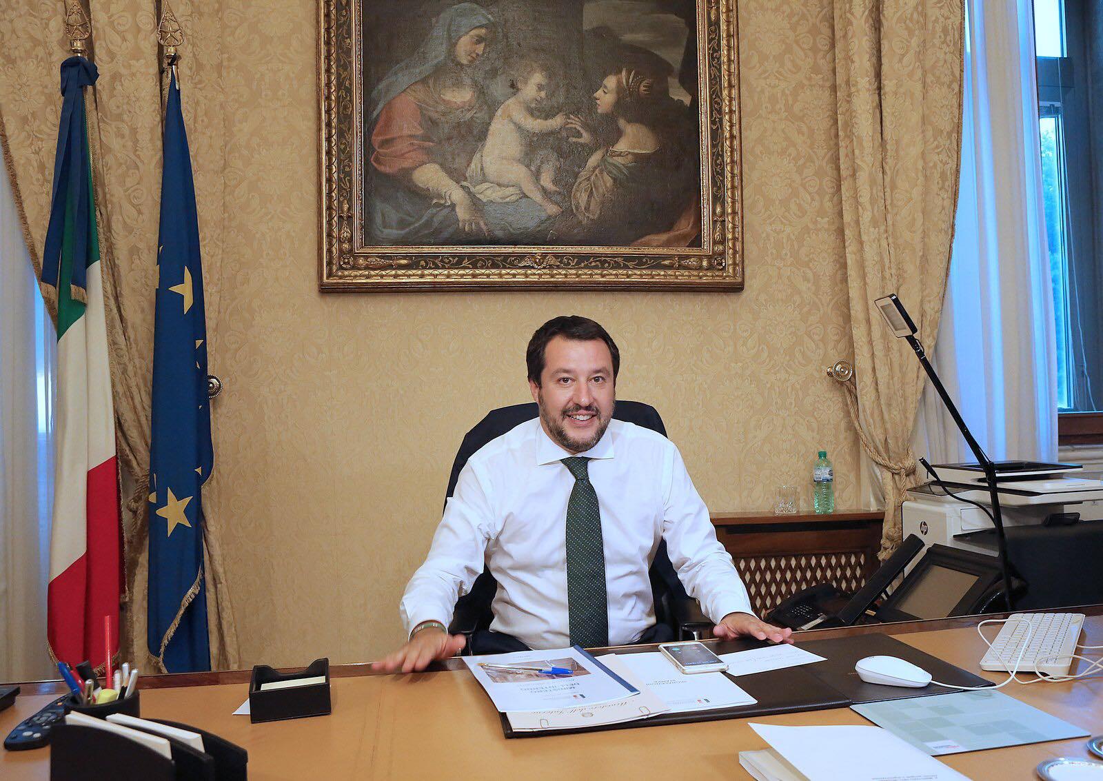 Decreto sicurezza, il portavoce di Orlando insulta Salvini