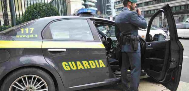 'Truffa e frode assicurativa' Arrestato finanziere infedele