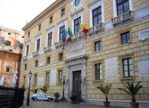 Palermo, conti del comune in rosso. I sindacati scrivono a Orlando