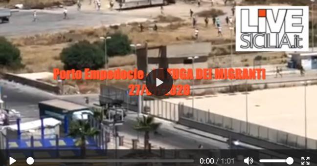 Porto Empedocle la fuga dei migranti