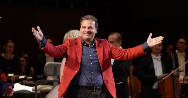 Enrico Castiglione in rosso