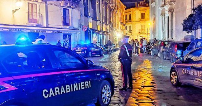 Carabinieri, controlli anti covid.